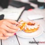 Cómo evitar las tentaciones y mantener tu rutina saludable (sin fuerza de voluntad)